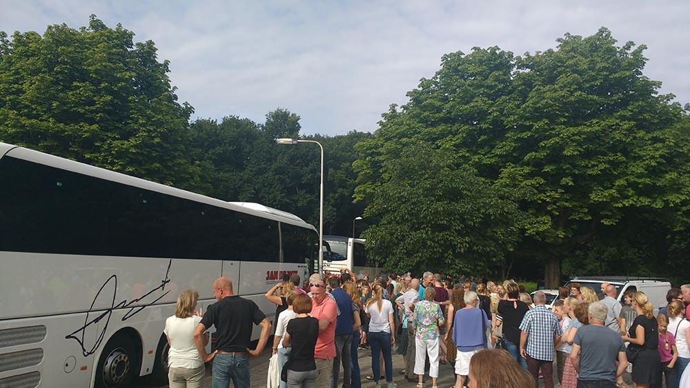 Vertrek zomerkamp Scouting Radboudgroep Santpoort
