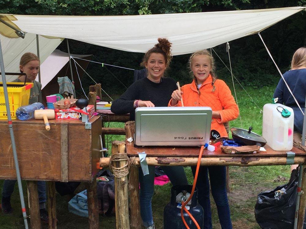 Zomerkamp gidsen koken kampkeuken Radboudgroep Santpoort